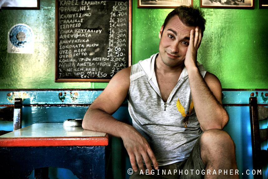 Γιώργος Καπουτζίδης - Φωτογράφιση για το Saronic Magazine