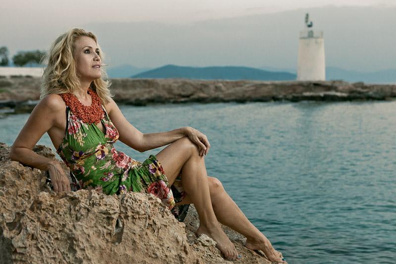 Constantina Mihail for People Magazine - Proto Thema News