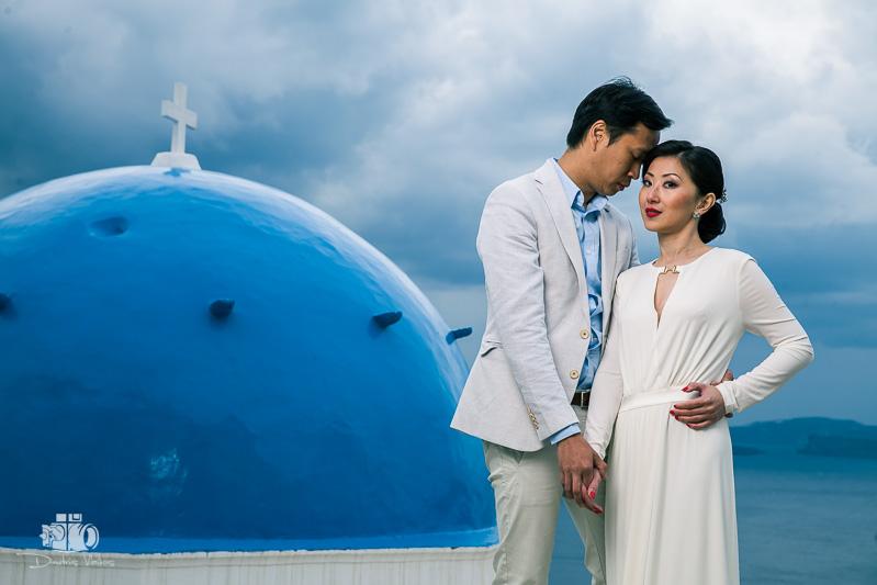 pre_wedding_photoshoot_Santorini_Oia_Greece